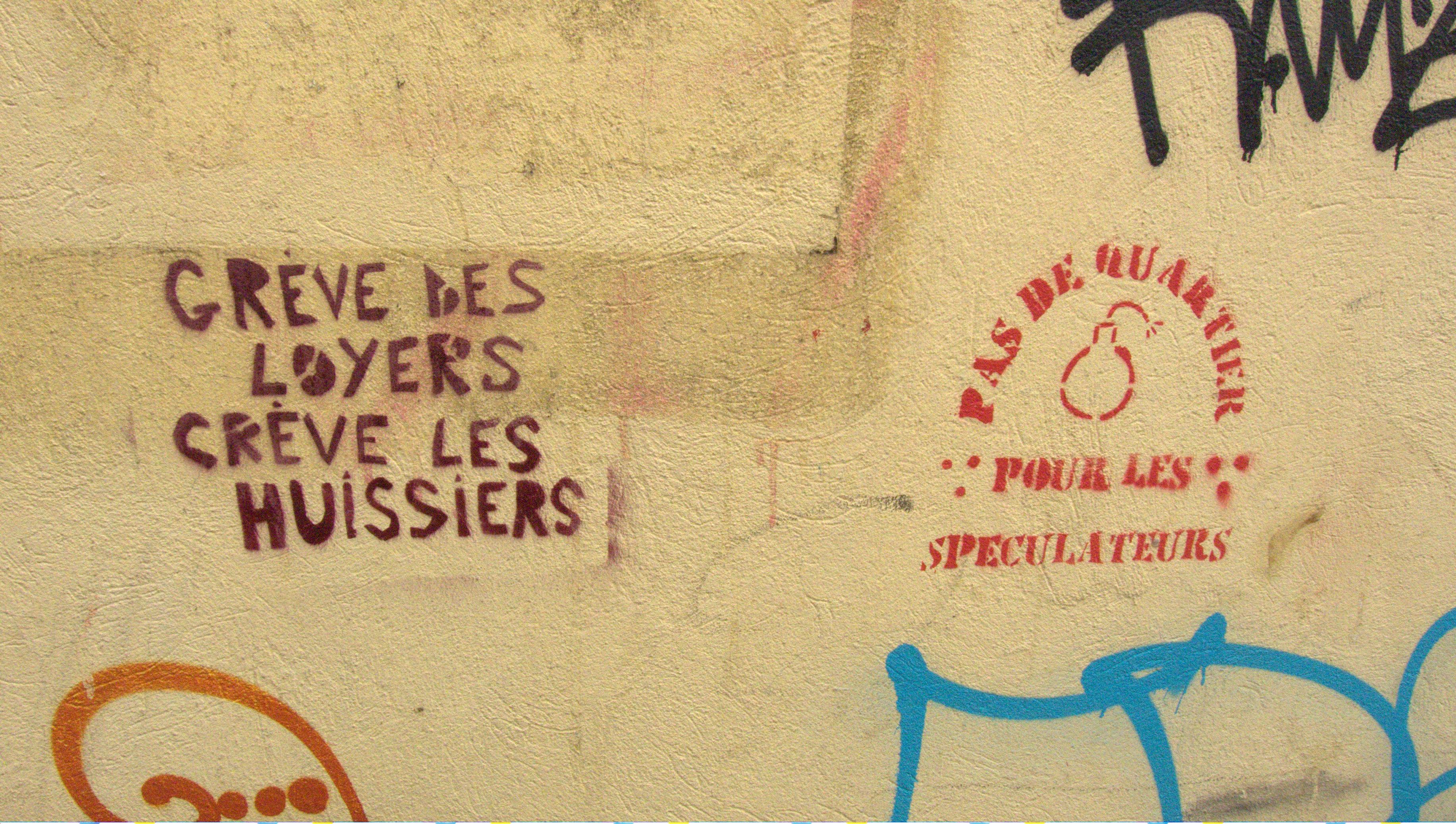 Photo prise le 27 avril 2013 à Bagnolet, lors de la manifestation contre les expulsions et la restructuration urbaine.